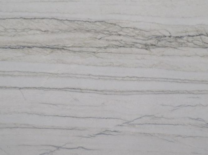 Macabus White
